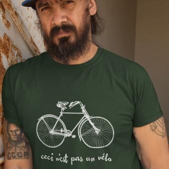 Ceci N'est Pas Un Velo T-Shirt